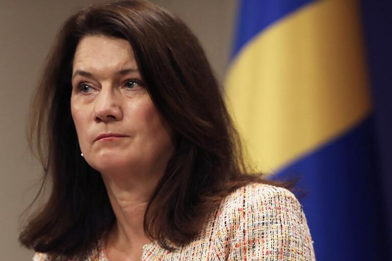 Председатель ОБСЕ Анн Линде призвала боевиков открыть все КПВВ на Донбассе