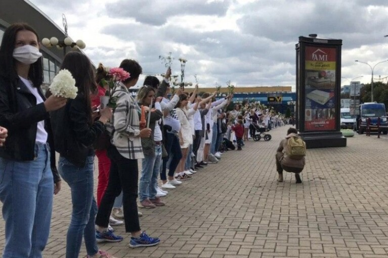 Масштабні акції солідарності й страйки проходять по всій Білорусі (ФОТО, ВІДЕО)