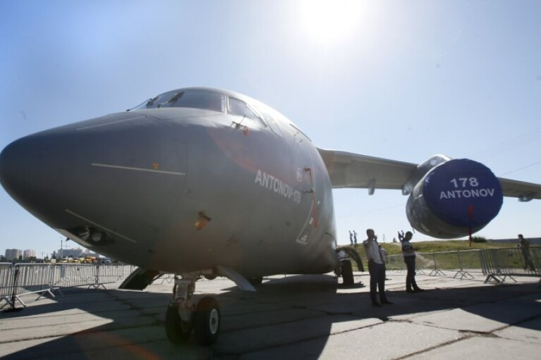 Чарівник прилетить на Ан-178. Чи врятує гарний літак український авіапром