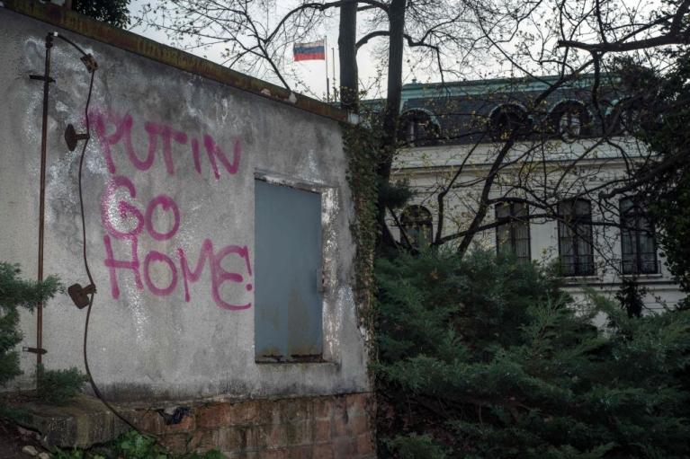 Російських дипломатів геть. Чому Чехії та Європі потрібно йти далі