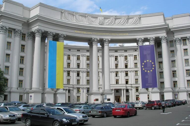 Украина отреагировала на попытку РФ привлечь жителей ОРДЛО к выборам в Госдуму