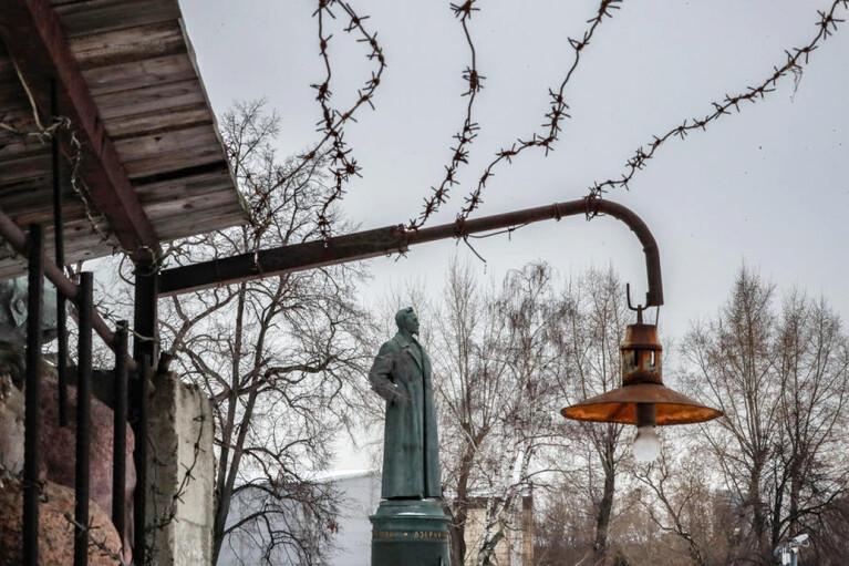 Феликс Неупокоенный. Почему Дзержинского хотят вернуть на Лубянку