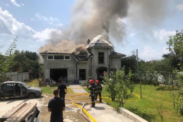 Авіакатастрофа на Прикарпатті: жертвами виявилися туристи-хасиди зі США