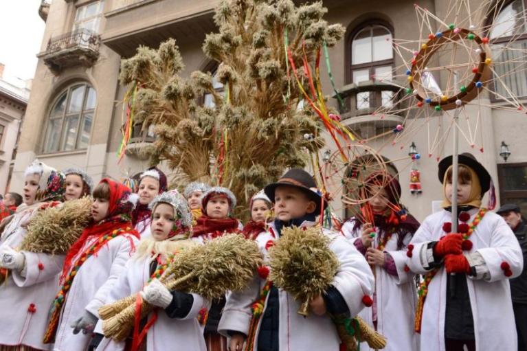 Які свята українці люблять найбільше: результати опитування