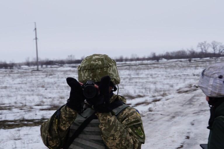 Автомобиль с защитниками Украины подорвался на взрывном устройстве: пострадали 9 воинов