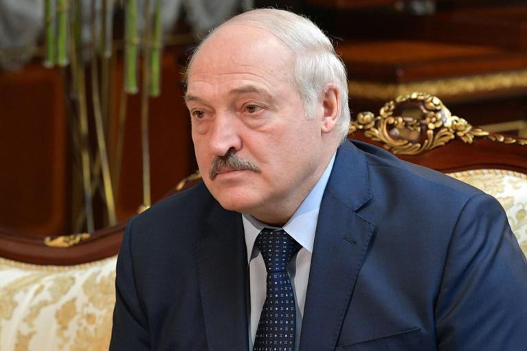 Лукашенко заявив, що Білорусь не прийматиме літаків з України
