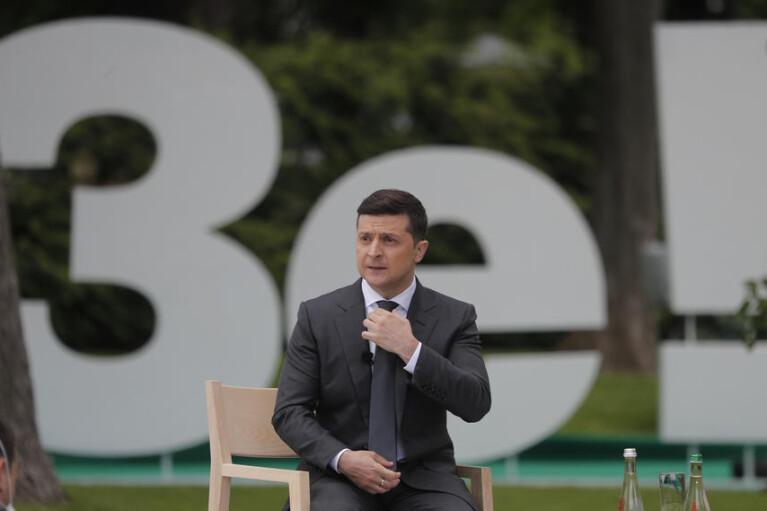 Сроки Зеленского. Почему украинская диктатура может оказаться хуже беларуской