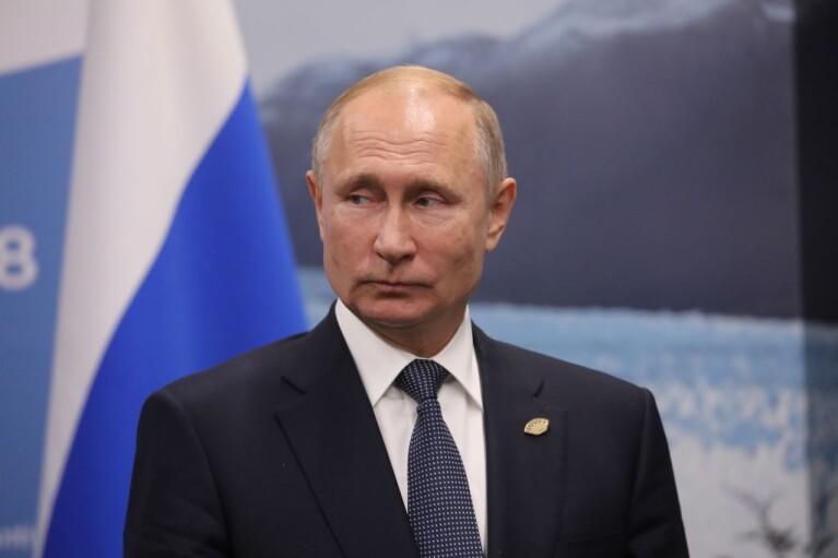 Карл Більдт: Потрібно відмовитися від спроб перезавантажити відносини з Росією
