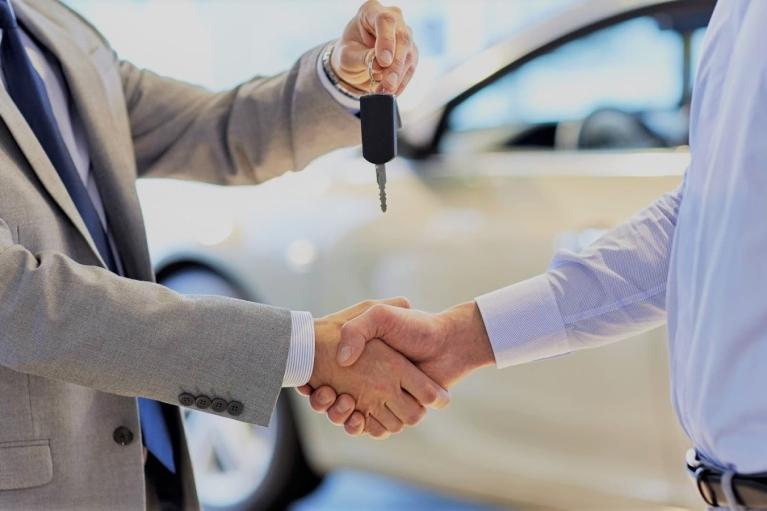 Авто на прокат: у кого взять - у компании или у частника?