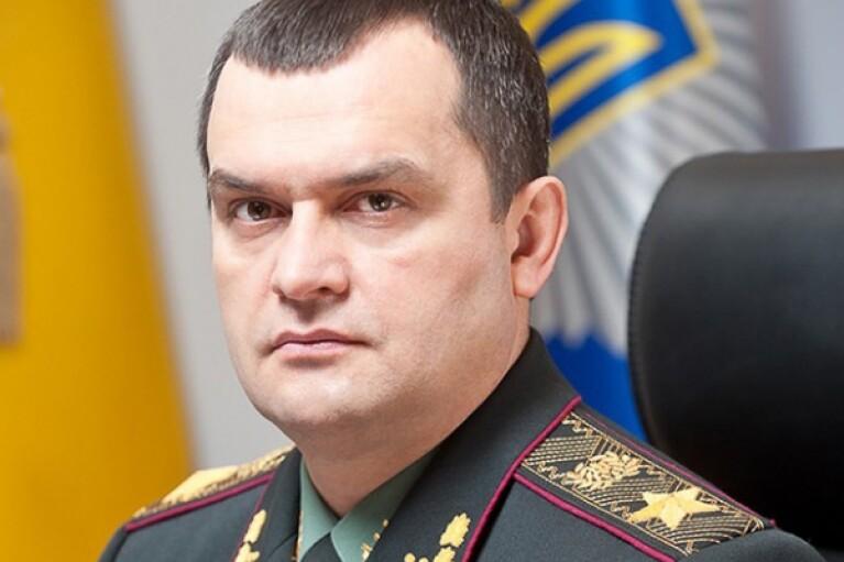 Суд заочно арестовал бывшего главу МВД Захарченко и его зама