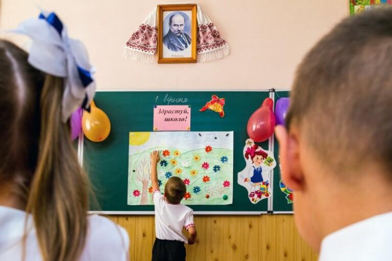 МОЗ не исключает, что с 1 сентября дети будут учиться в две смены (ВИДЕО)