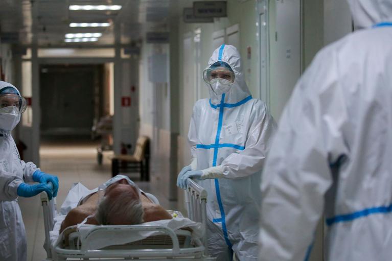 Почти половина суточных смертей от COVID-19 в ЕС фиксируется в Румынии