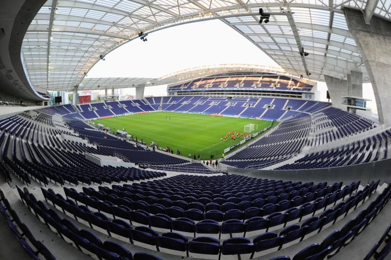 УЕФА официально перенес финал Лиги чемпионов в Порто