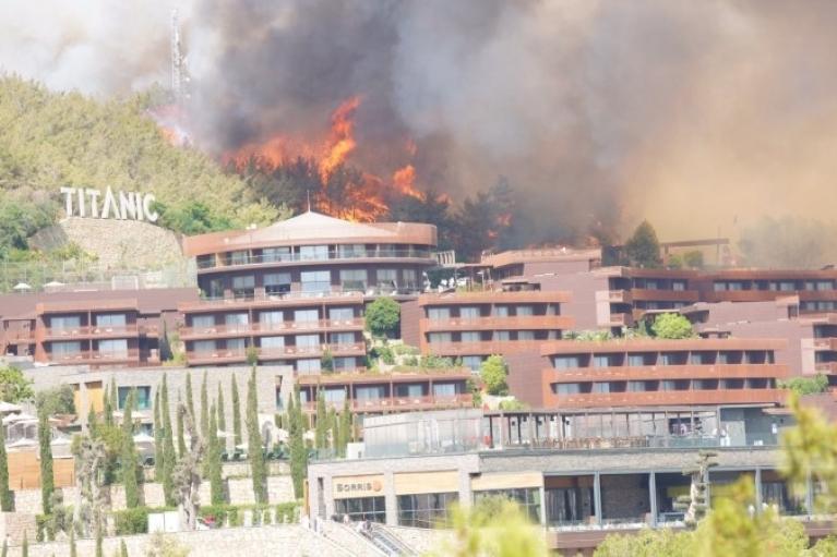 Лісові пожежі в Туреччині: почалася евакуація туристів з готелів Бодрума