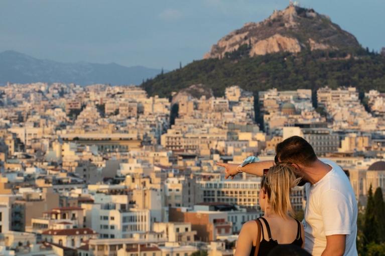 Греция не разрешила въезд украинским туристам