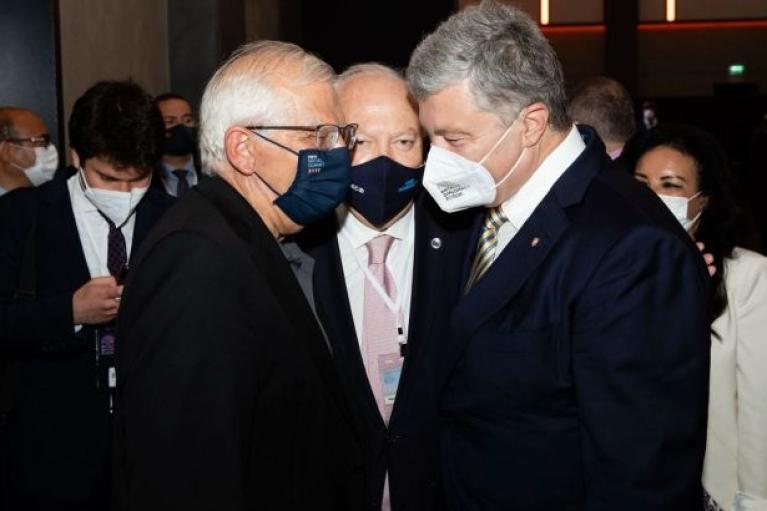 Порошенко поговорив з Боррелем про результати саміту ЄС-США
