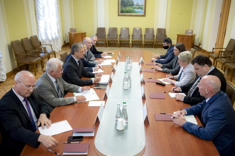 У Зеленского обсудили с представителями США повестку встречи с Байденом