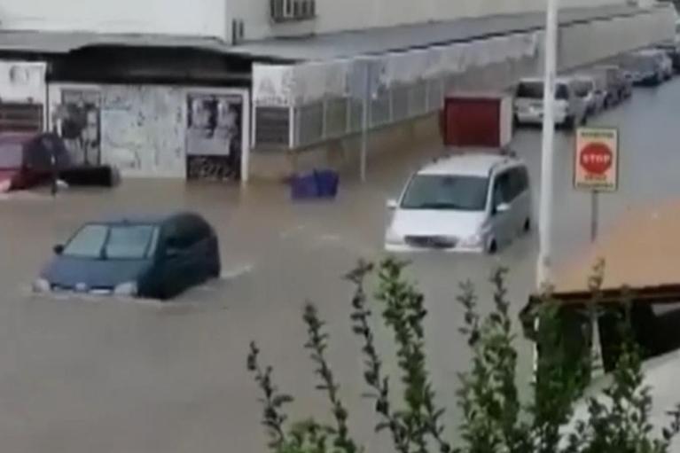 Наводнение в Испании: затоплены дома и автомобили (ФОТО, ВИДЕО)
