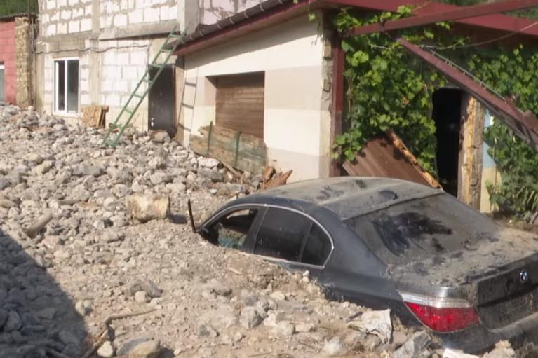 У Криму після потопу ціле селище завалило грудою каменів (ФОТО, ВІДЕО)