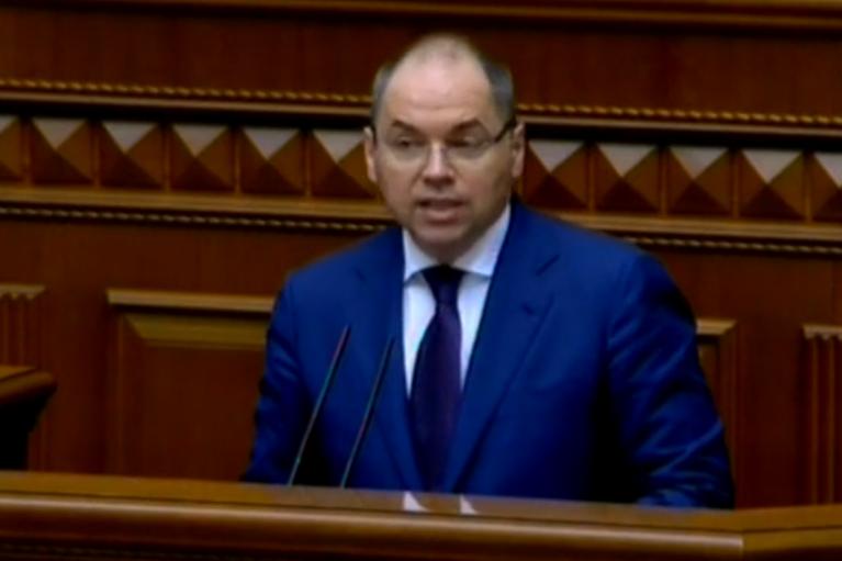 Нардепов убеждают оставить Степанова в должности, — Устинова