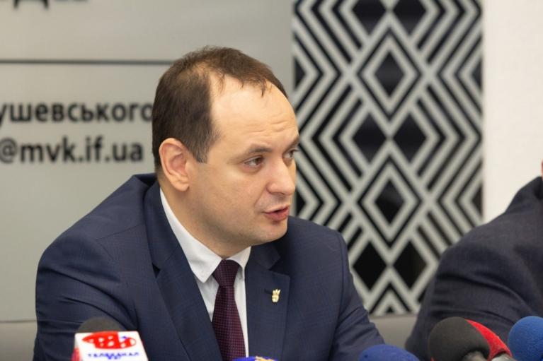 Мер Івано-Франківська пообіцяв 1 млн грн закладу освіти, який вакцинує 100% працівників