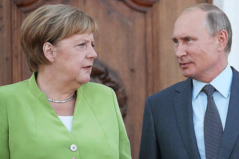 Євросоюз має розмовляти з Росією, — Меркель