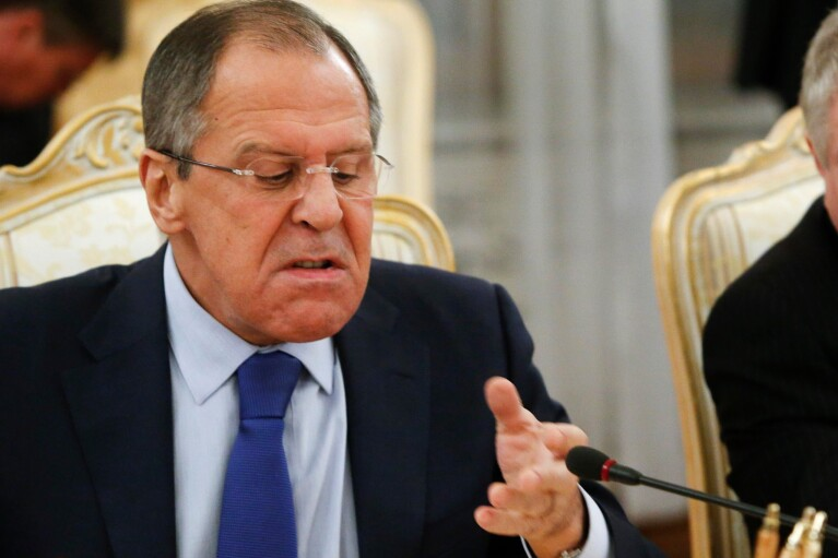"""Лавров спросит у Турции, почему Украину """"затягивают"""" в НАТО"""