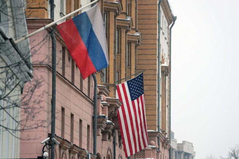 Песков, Абрамович, Соловьев и Симоньян оказались в санкционном списке США