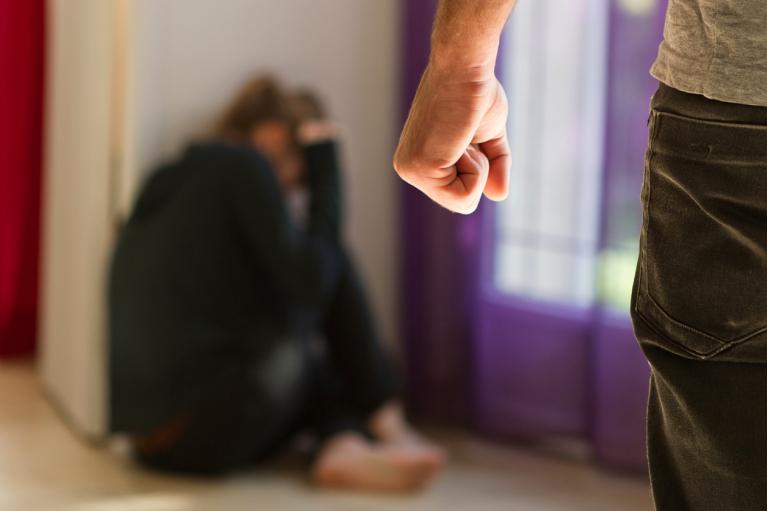 Раді рекомендували посилити відповідальність за сімейне насильство