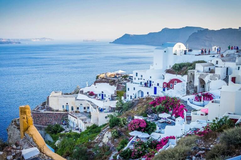 Як прийматимуть українських туристів у Греції: міністр назвав умови