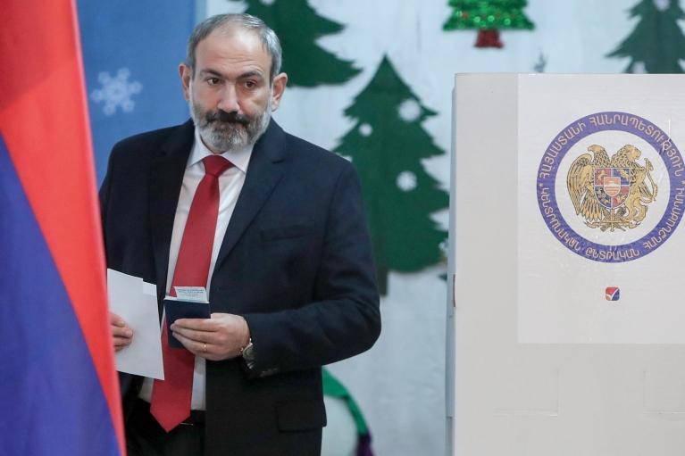 В Армении завершились досрочные парламентские выборы