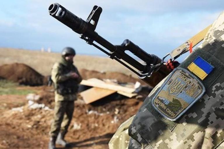 Оккупанты 11 раз обстреляли украинские позиции в сутки: без потерь