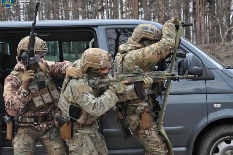 В регионах Украины могут временно ввести особый режим из-за учений СБУ