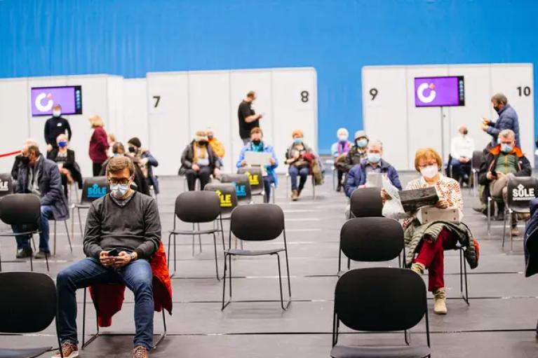 Завтра в Естонії від коронавірусу почнуть щеплювати підлітків