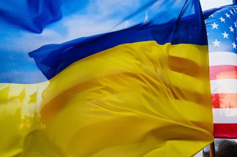 Порошенко призвал Зеленского присоединиться к антироссийским санкциям Байдена