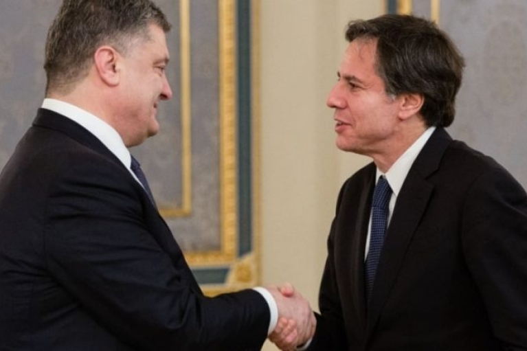 Перед Зеленским Блинкен встретился с Порошенко (ВИДЕО)