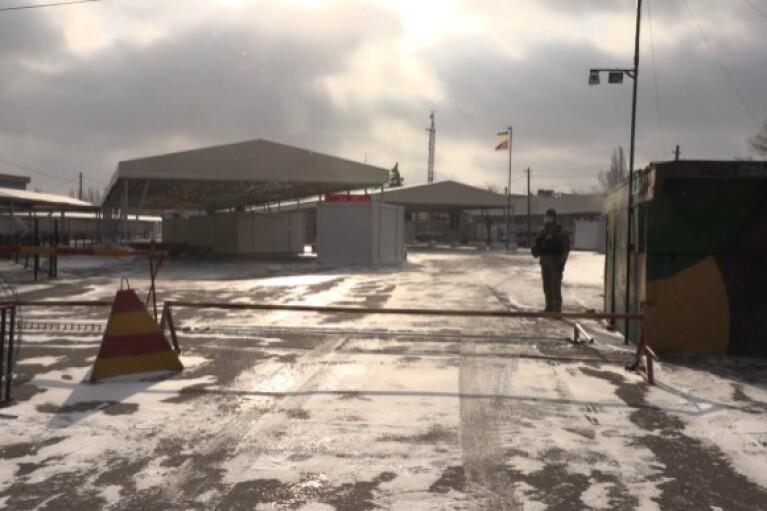Оккупанты продолжают блокировать пункты пропуска на Донбассе (ВИДЕО)