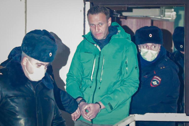 Повернення Навального. Для чого ворог Путіна ризикує роками свого життя?