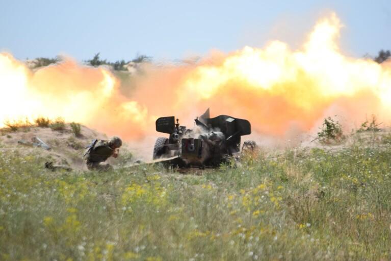 Артиллеристы потренировались в уничтожении российского десанта на юге Украины