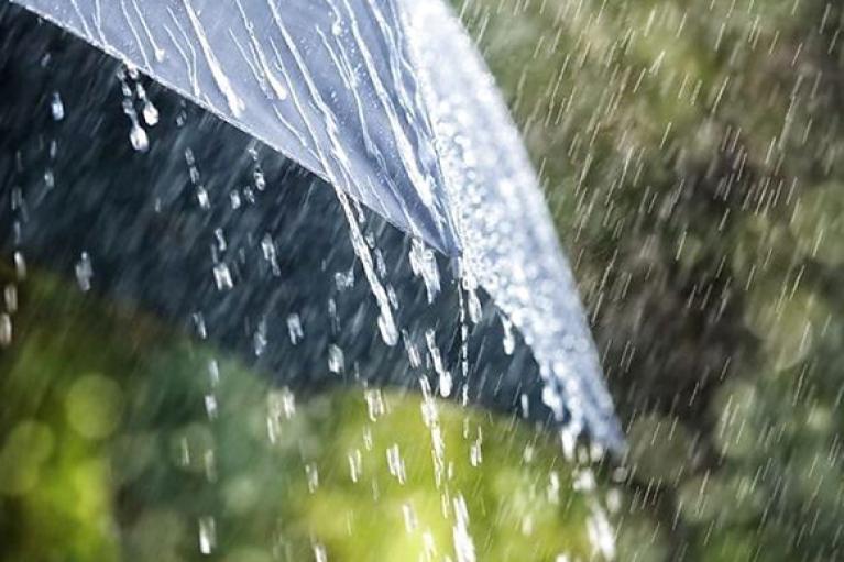Потеплеет, но будет дождь: прогноз погоды на субботу (КАРТА)