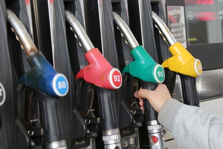 Цены на топливо: в Кабмине дали разъяснения по торговой надбавке