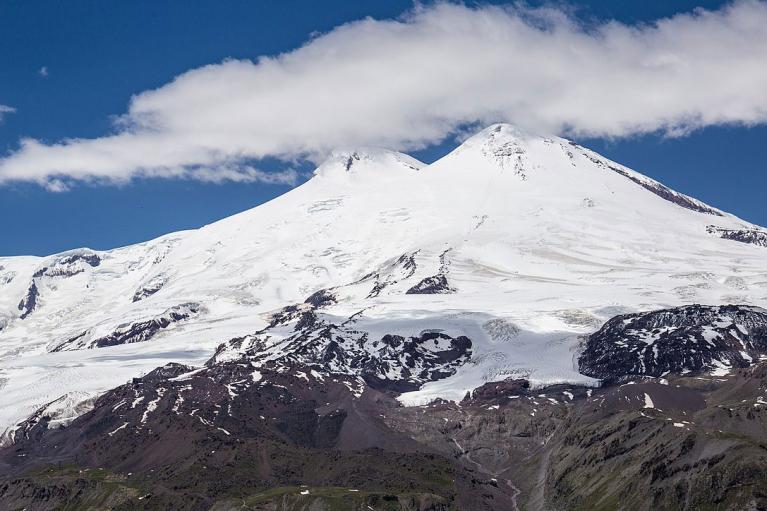 В России во время восхождения на Эльбрус погибли пять альпинистов