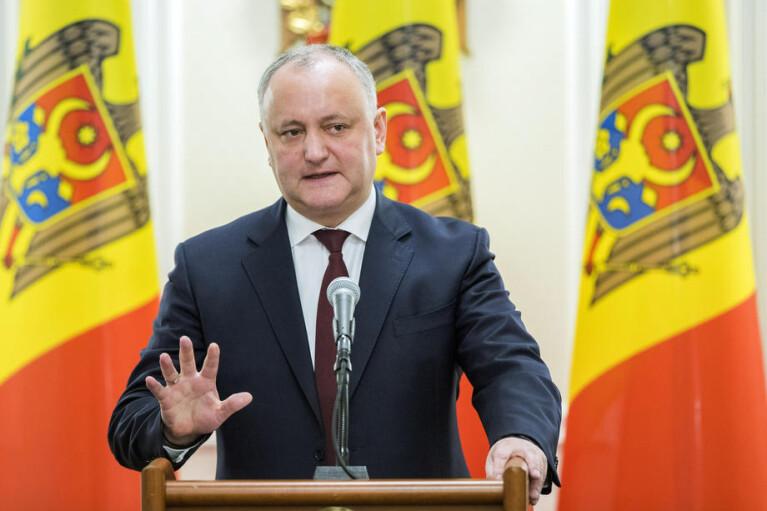 Олигарх не совсем в бегах и неприятности президента. В Молдове пахнет досрочными парламентскими выборами
