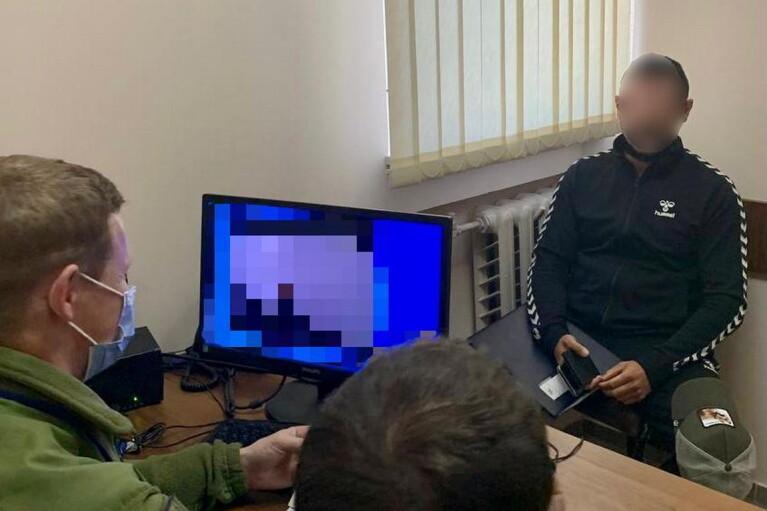 Прикордонники завернули на кордоні з Україною відомого російського блогера