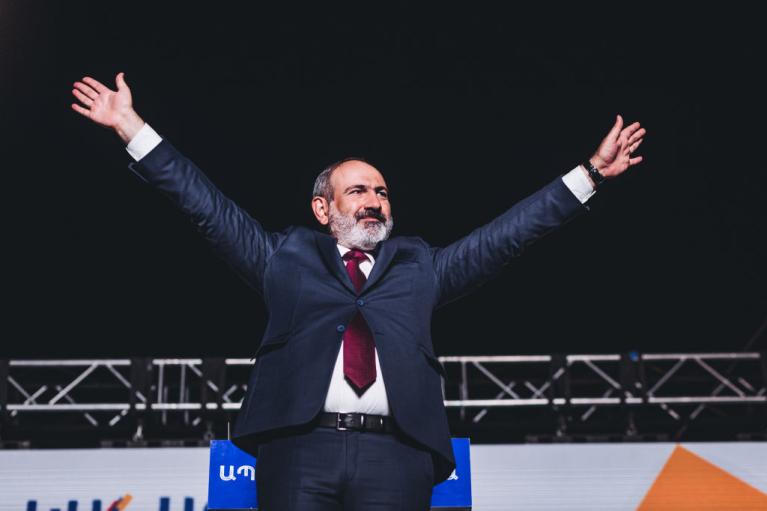 Проиграть войну и выиграть выборы. Как Пашинян остался премьером Армении