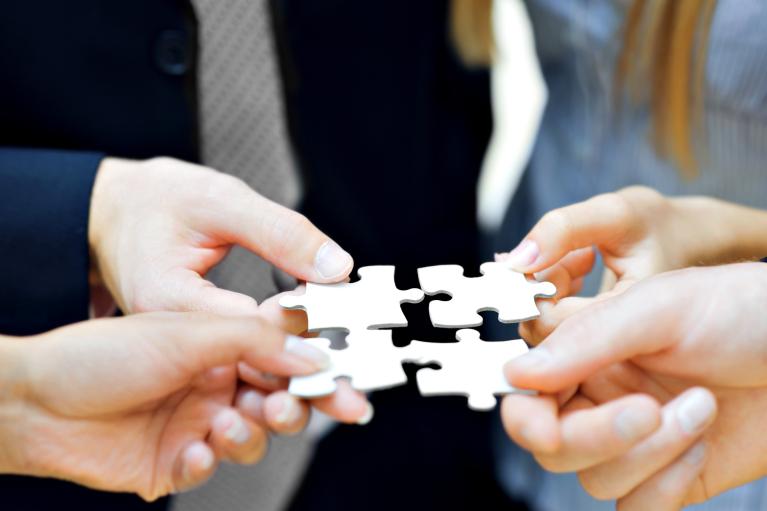 Поглощай и властвуй. Для чего нужны и какими бывают сделки M&A