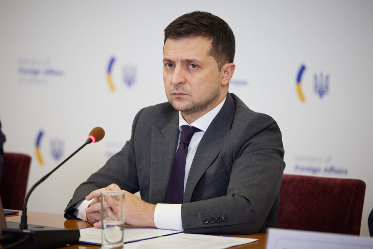 """""""Слуги"""" вимагають від Зеленського розірвати дипломатичні відносини з Росією"""
