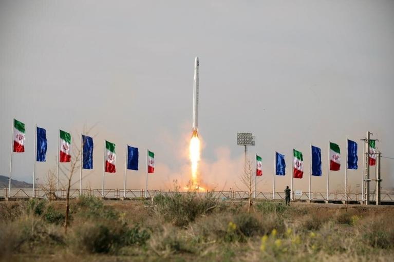 Афера Рогозина. Зачем Россия продает Ирану военный спутник