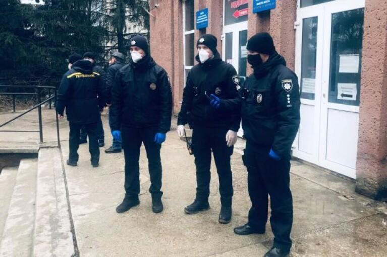 Полиция возбудила уголовное дело по факту пожара в больнице Черновцов