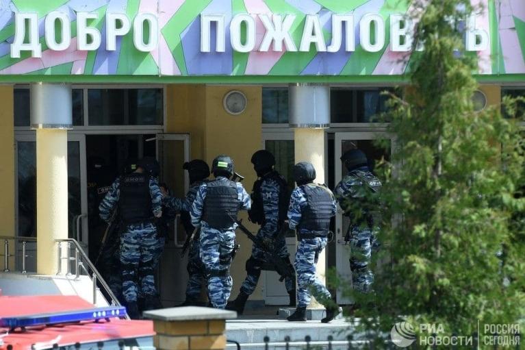 Масове вбивство в казанській школі: нападник сам здався силовикам (ВІДЕО)